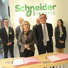 Signature d'un accord avec Schneider Electric